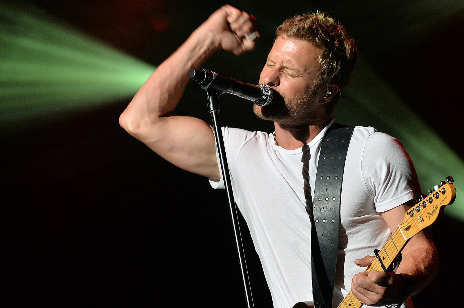 Dierks Bentley To Host Pre Concert Concert And It S Free