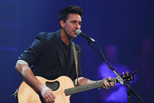 Jake Owen Talks Dad Life Facebook Chat