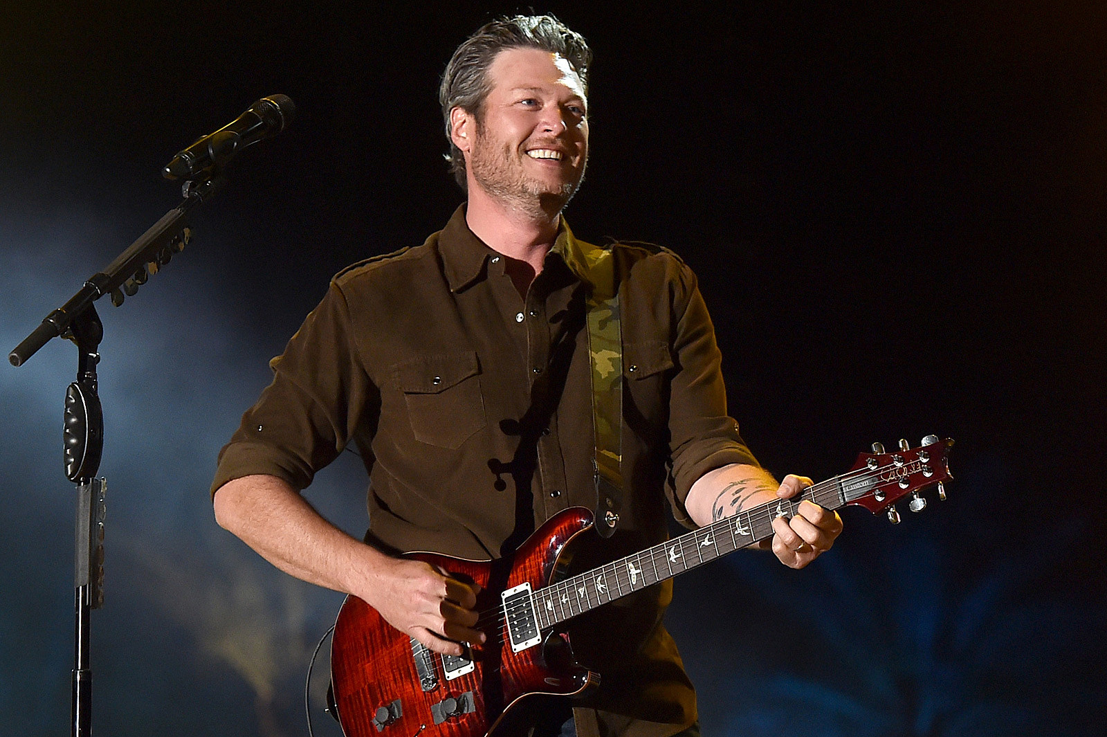 Blake Shelton sets 2014 tour dates