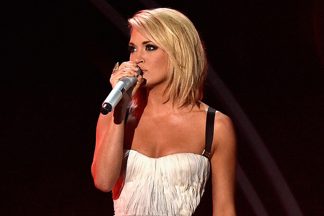 Super The Real Reason Carrie Underwood Chopped Off Her Hair Hairstyles For Men Maxibearus