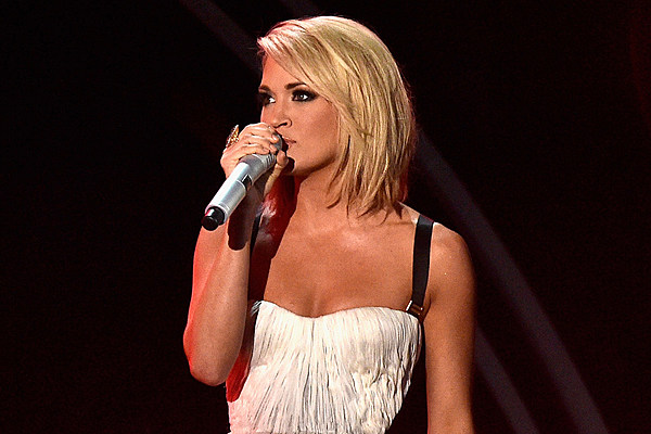 Carrie Underwood Hair Style: The Real Reason Carrie Underwood Chopped Off Her Hair