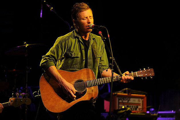 dierks bentley rolls out black bus to sample new music. Cars Review. Best American Auto & Cars Review