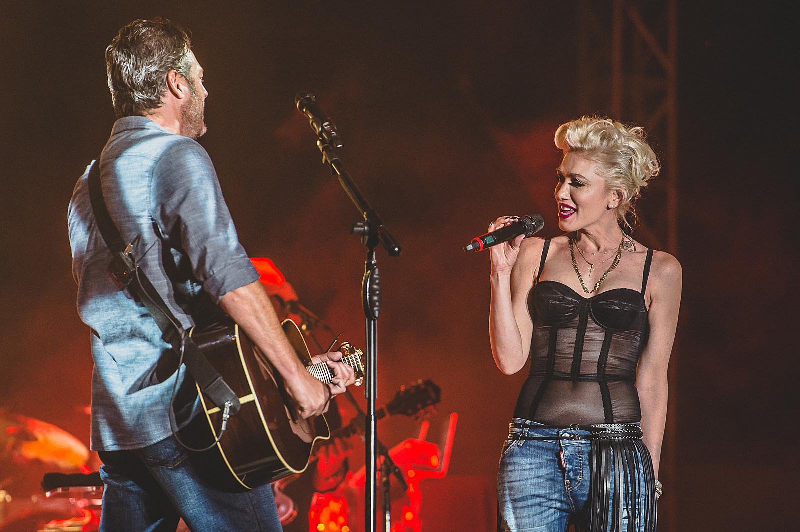 Gwen Stefani Joins Blake Shelton For Birthday Performance