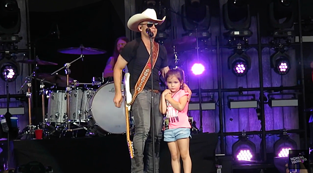 justin-moore-daughter-on-stage-fathers-day