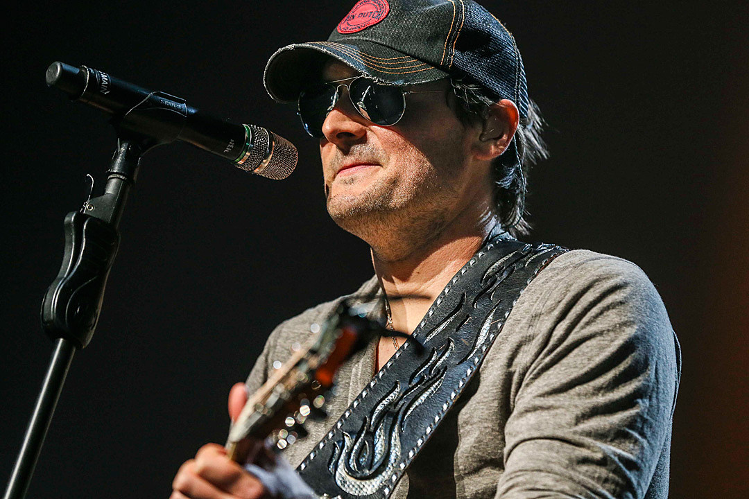 Brad Paisley Whiskey Lullaby Songs Of The Century