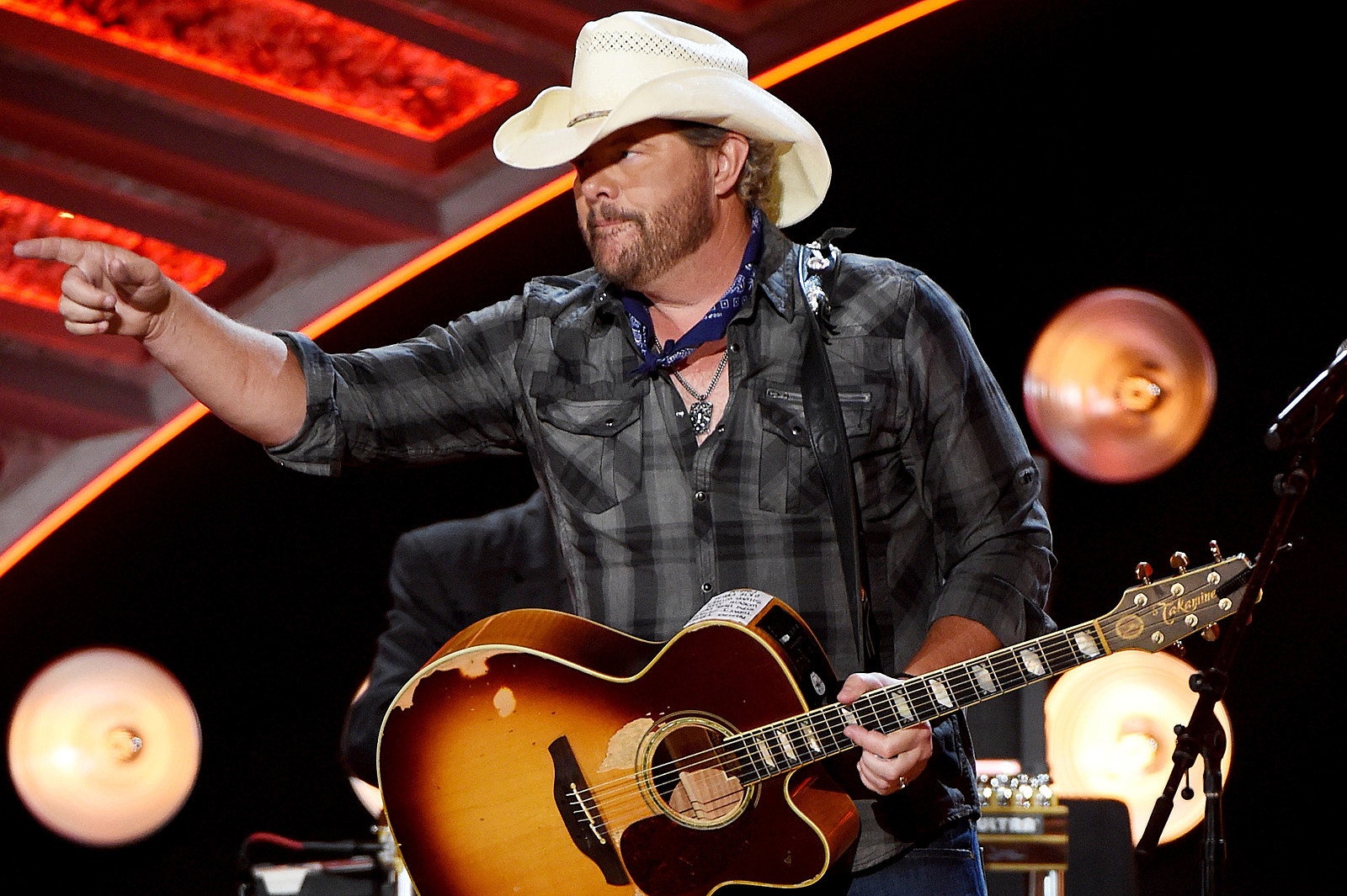 toby-keith-country-stars-2016-elections