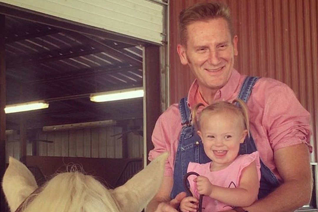 Rory Feek Shares Daughter Indiana's Pneumonia Scare