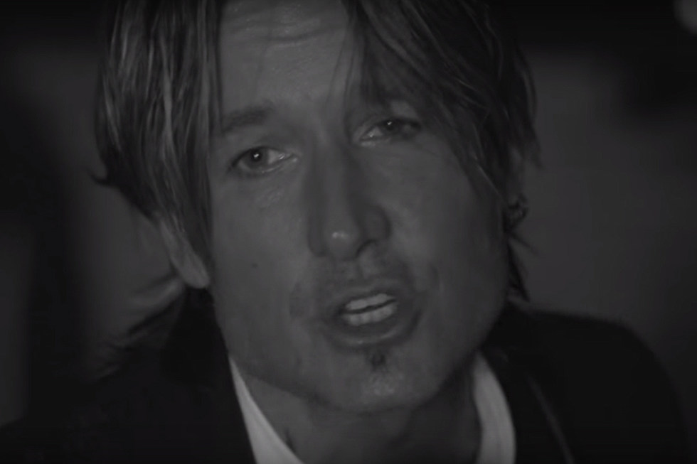Keith Urban Goes Classic Black And White For Blue Aint Your Color Video Watch