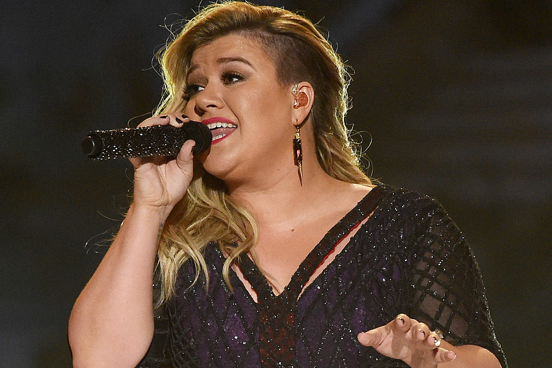 Kelly Clarkson Bringing Christmas \'Miracle\' to Nashville