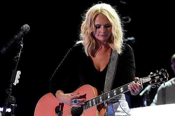 Miranda lambert teases lyrics from 39 weight of these wings 39 for Miranda lambert the weight of these wings songs