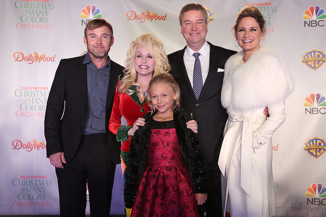 Dolly Parton's 'Christmas of Many Colors' Comes to DVD