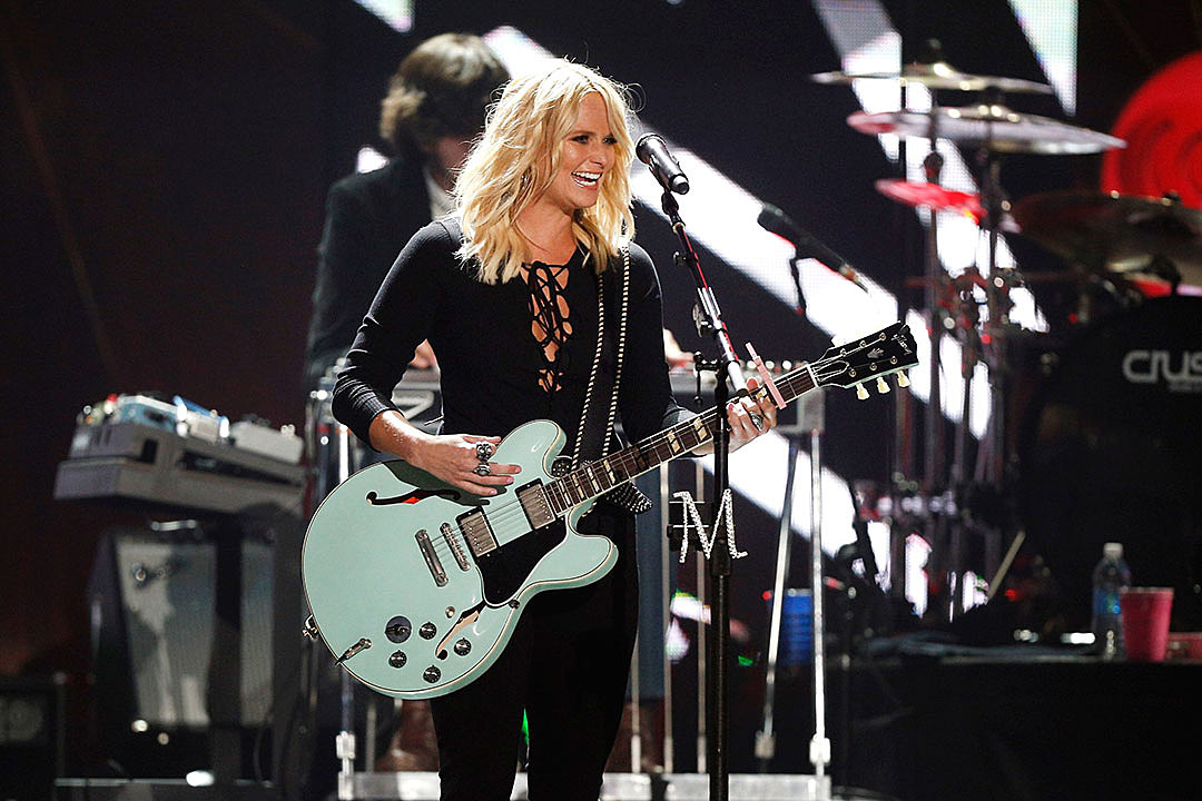 Miranda lambert tops charts with 39 the weight of these wings 39 for Miranda lambert the weight of these wings songs