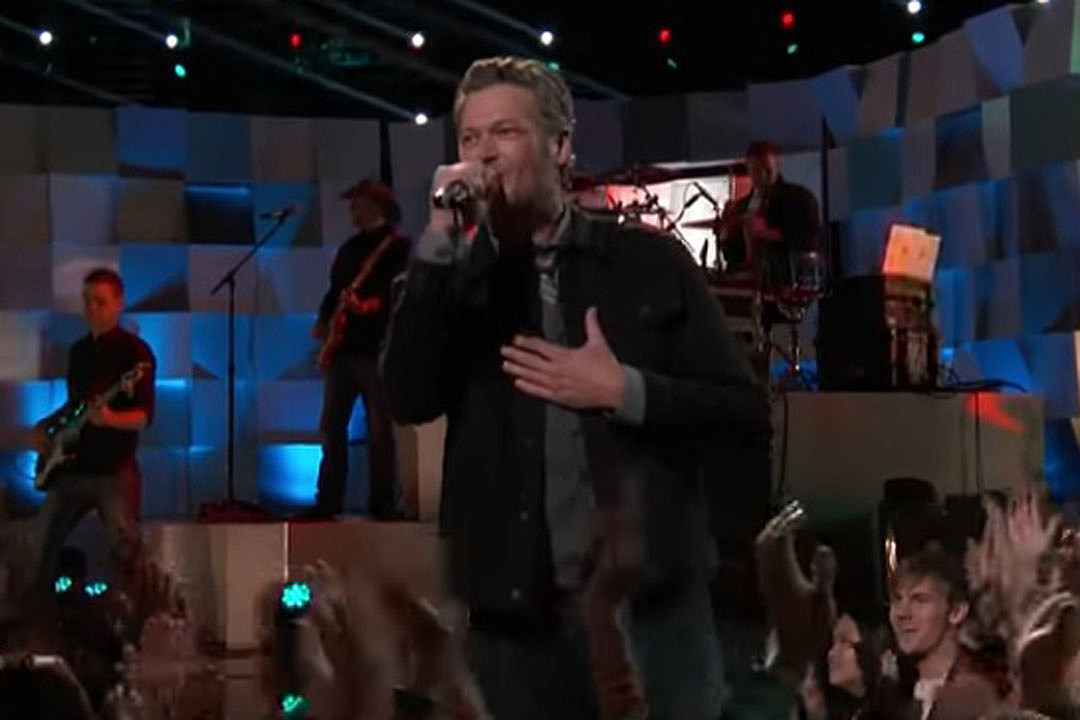 Blake Shelton Performs 'A Guy With a Girl' on 'The Voice' Semifinals [Watch]