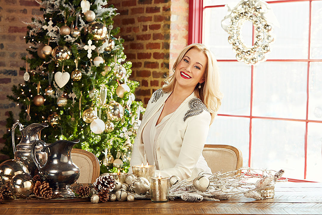 Kellie Pickler Brings Christmas Spirit to Home Collection