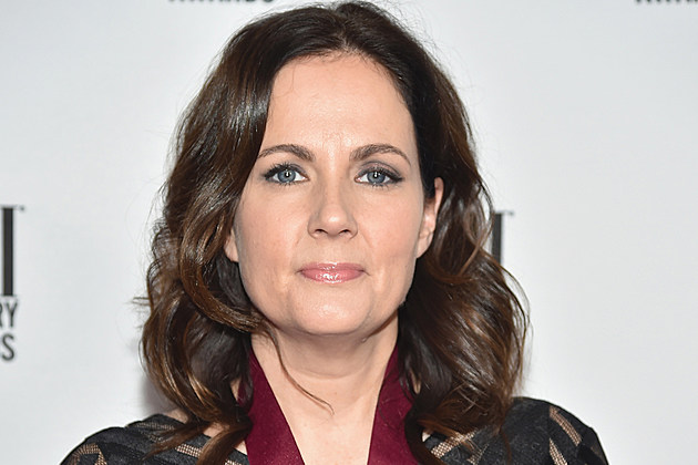 lori-mckenna-grammy-best-country-song-humble-and-kind