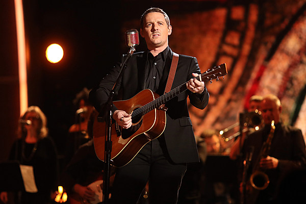 Sturgill simpson combines country soul during 2017 grammys Sturgill simpson grammy performance