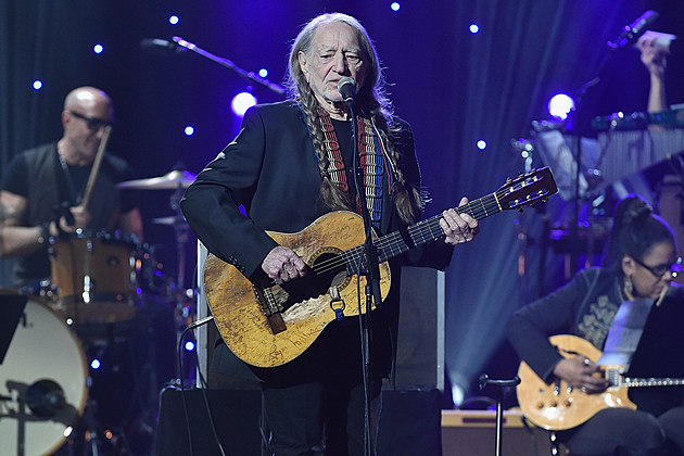 willie-nelson-bakersfield-shows-canceled