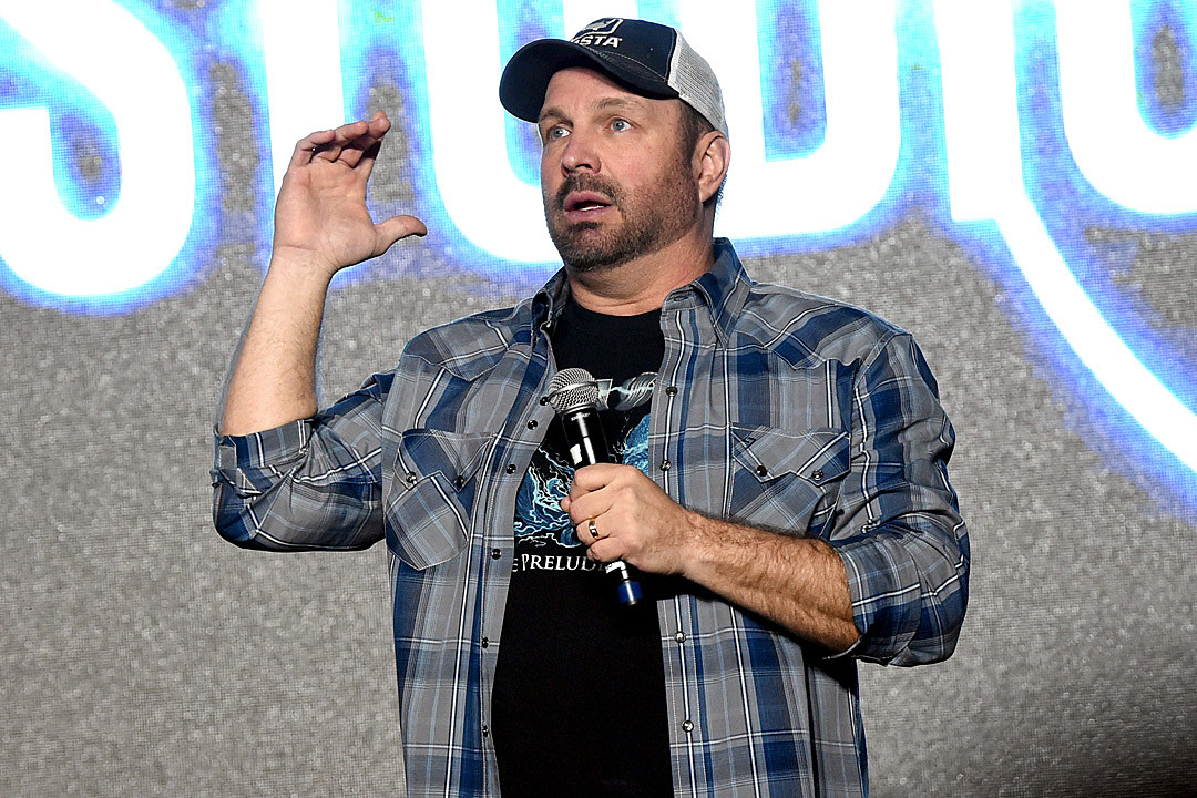 Austin 'goes country' with free Garth Brooks show at SXSW class=