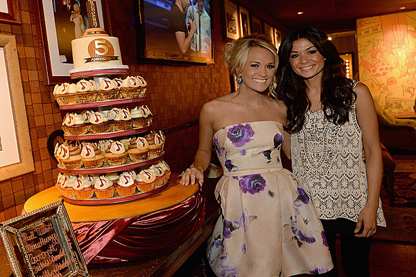 carrie underwood wedding cake picture carrie underwood shares photo of amazing walking dead 12411