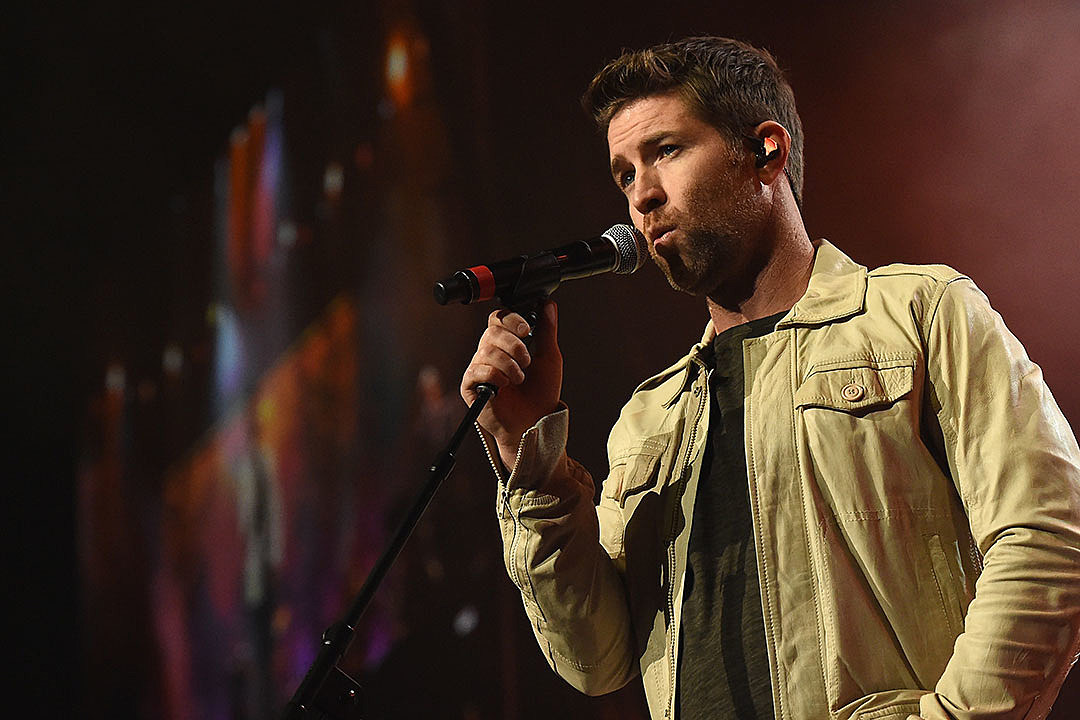Josh Turner Explores Love In New Songs On Deep South