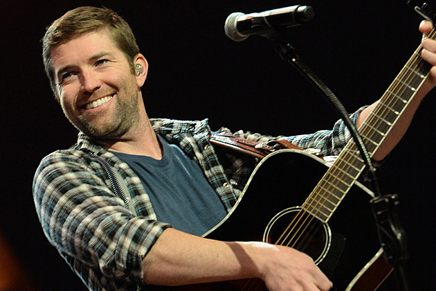 Josh Turner Goes No.1 for the First Time in Nearly Seven Years