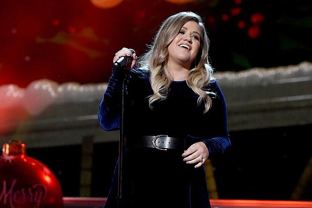 Kelly-Clarkson-American-Idol