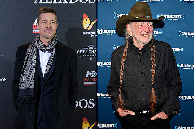 brad-pitt-light-up-willie-nelson