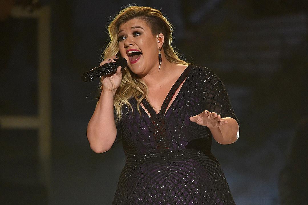 Kelly Clarkson - 1027 KORD