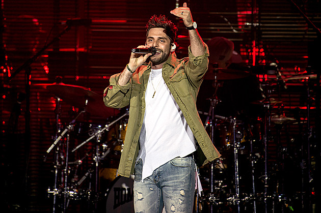 Thomas Rhett in concert