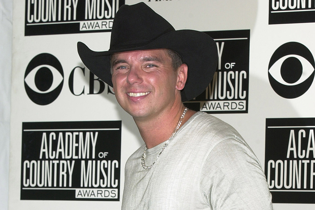 kenny chesney first record deal capricorn records