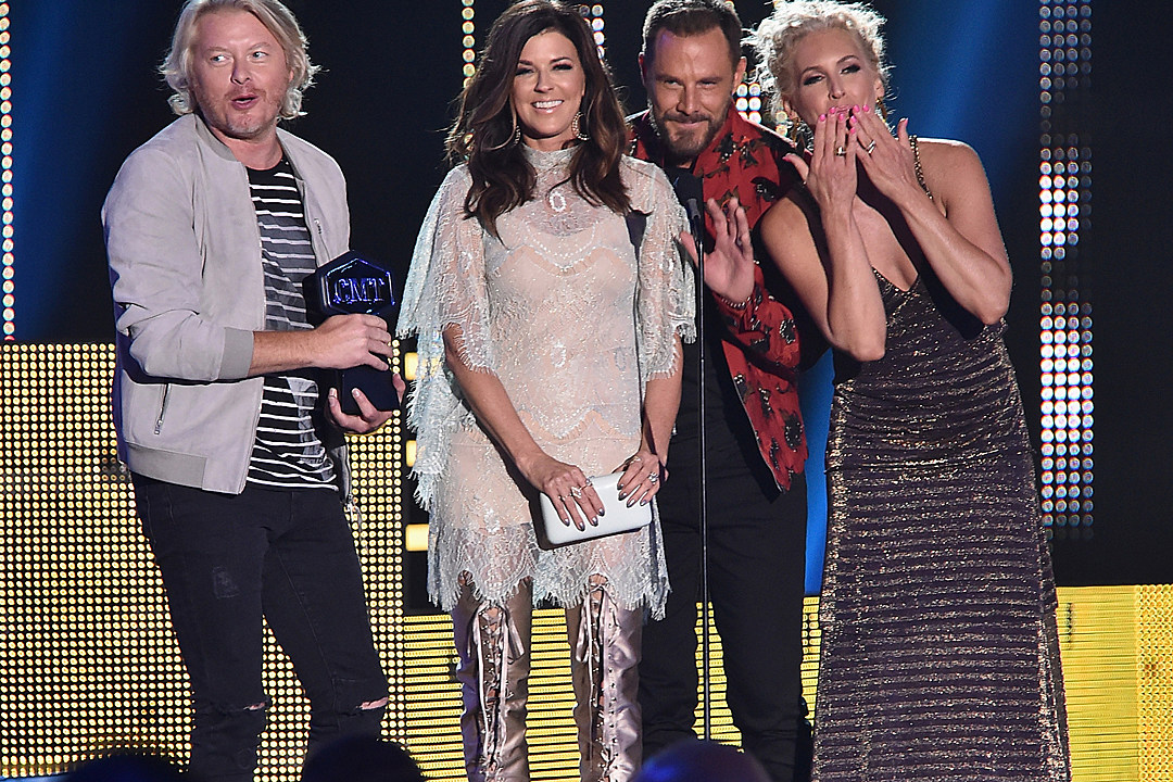 Cmt Music Awards Winners  Road Less Traveled