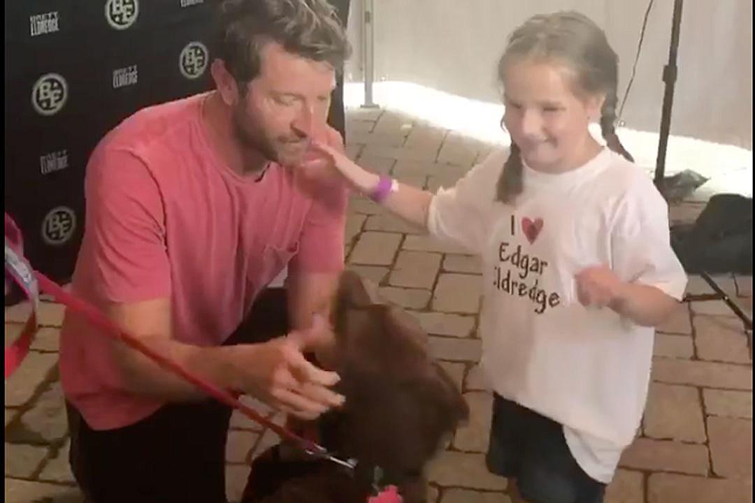 Brett eldredge and dog edgar make a young fan smile watch m4hsunfo