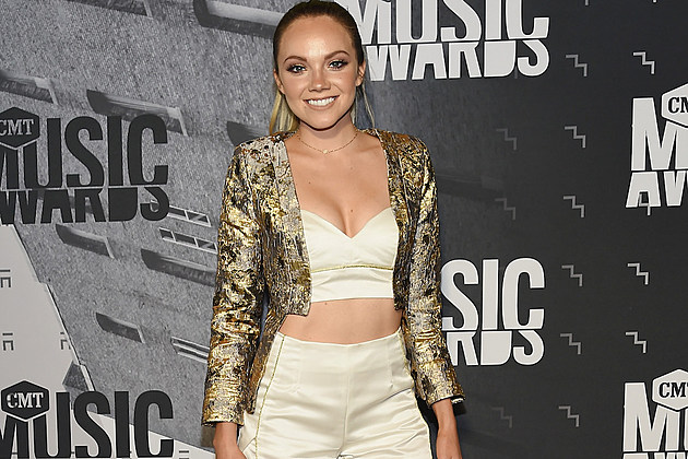 danielle-bradbery-new-album-inspired-by-relationship