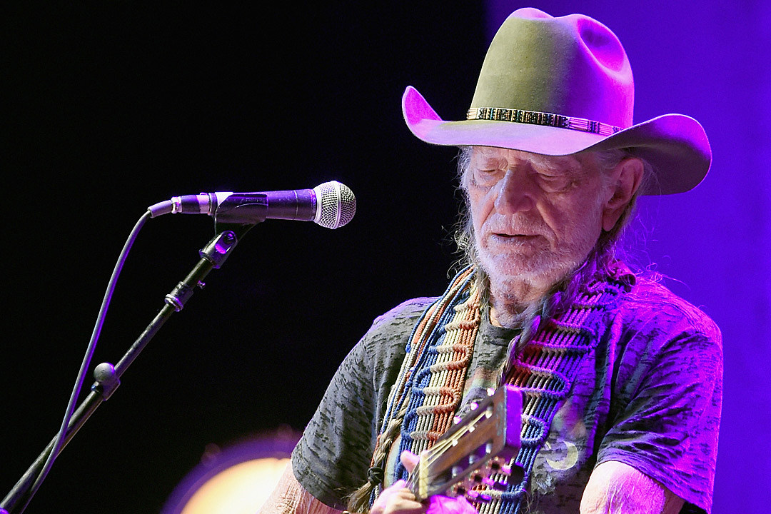 Willie-Nelson-Breathing