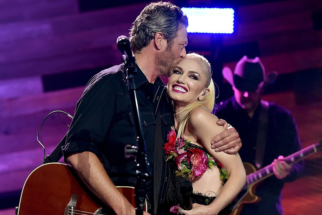 Gwen Stefani Shares What She's Getting Blake Shelton For Christmas