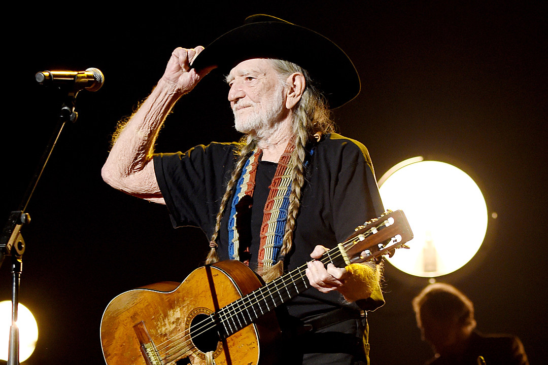 willie-nelson-texas-strong-benefit