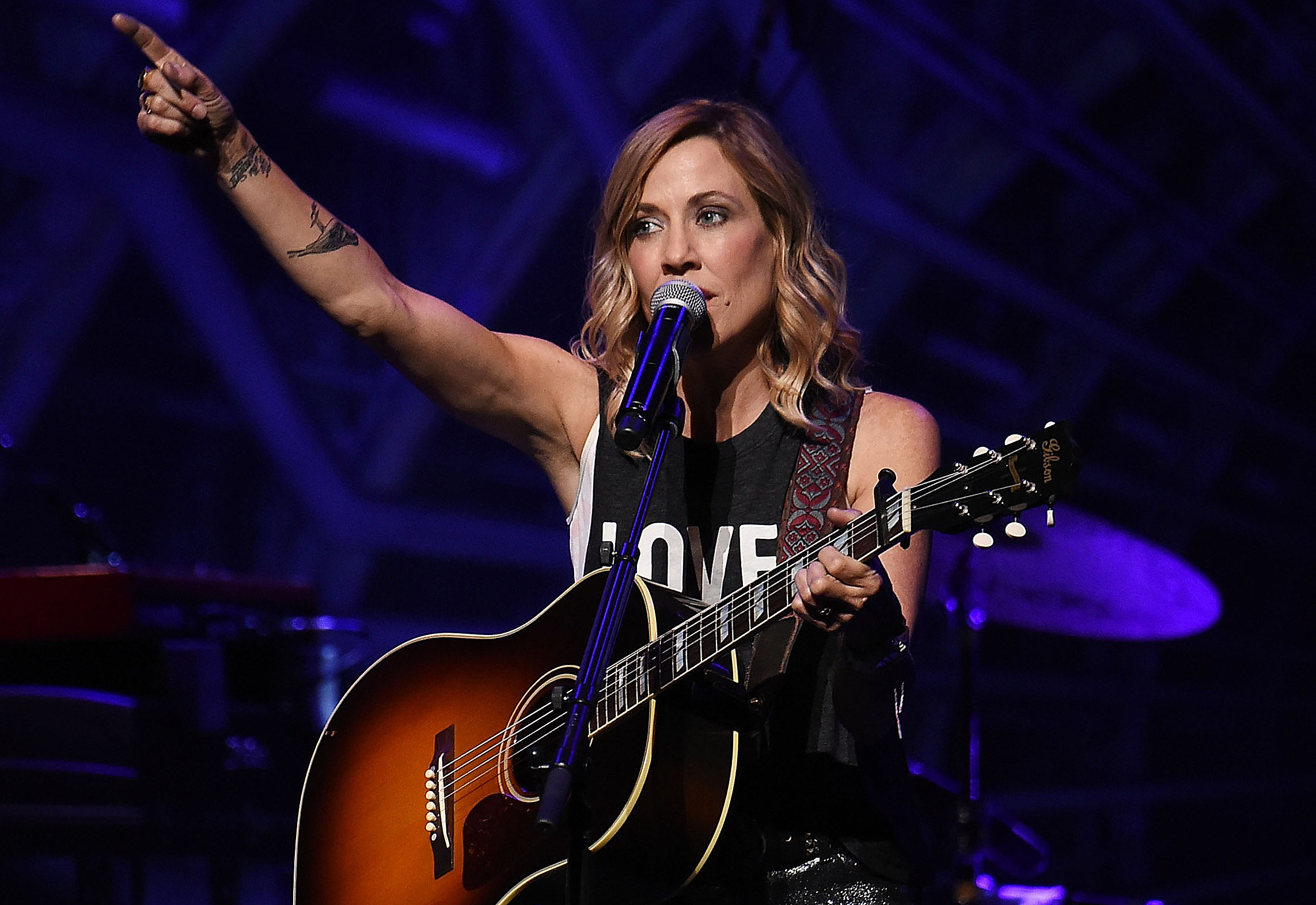 Sheryl Crow Debates Gun Control and Freedom of Speech on Twitter