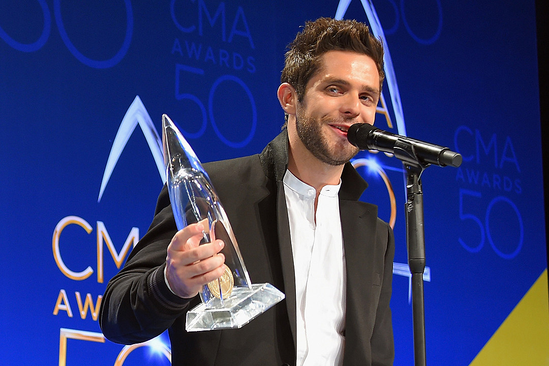 thomas-rhett-2017-cma-aards-male-vocalist-of-the-year-nomination