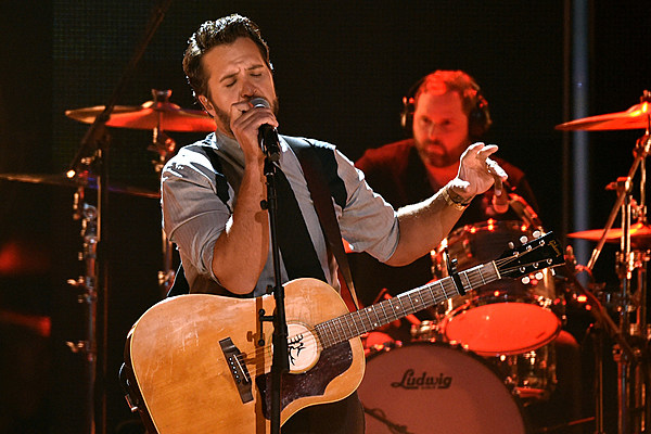 Luke bryan 39 s late brother sister affect how he parents for How did luke bryan s brother and sister die
