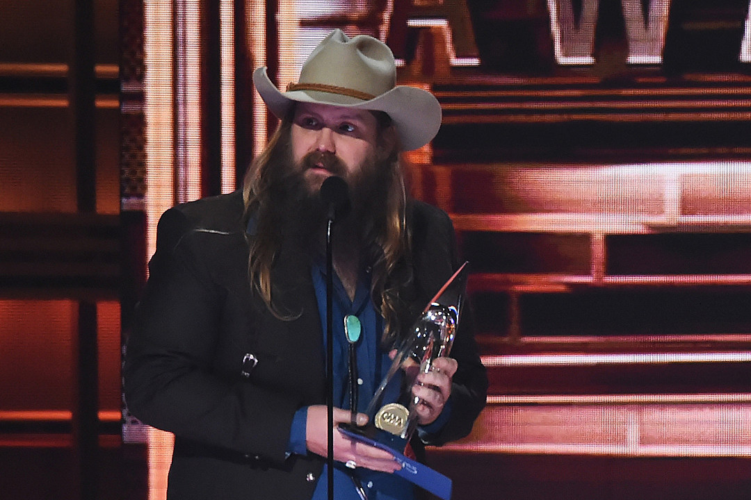 chris-stapleton-male-vocalist-of-the-year-2017-cma-awards-win