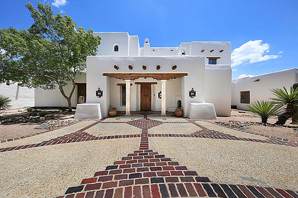 The Dominion San Antonio >> George Strait's Stunning San Antonio Estate for Sale [Pictures]