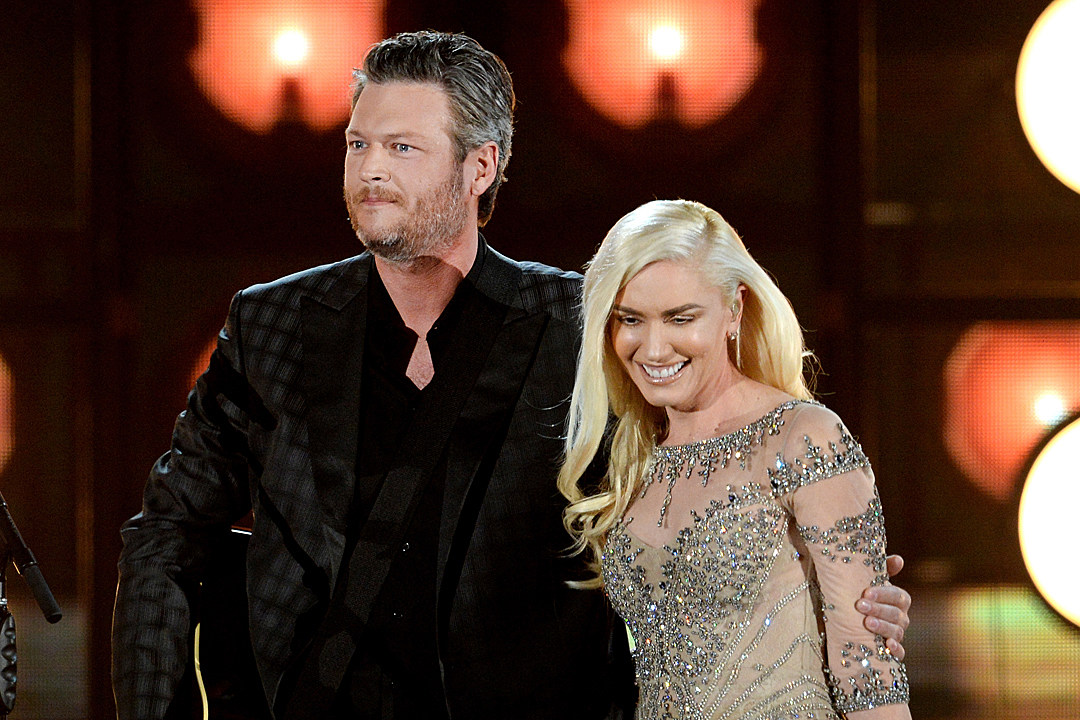 blake shelton attends christmas eve mass with gwen stefani sons - Blake Shelton Christmas