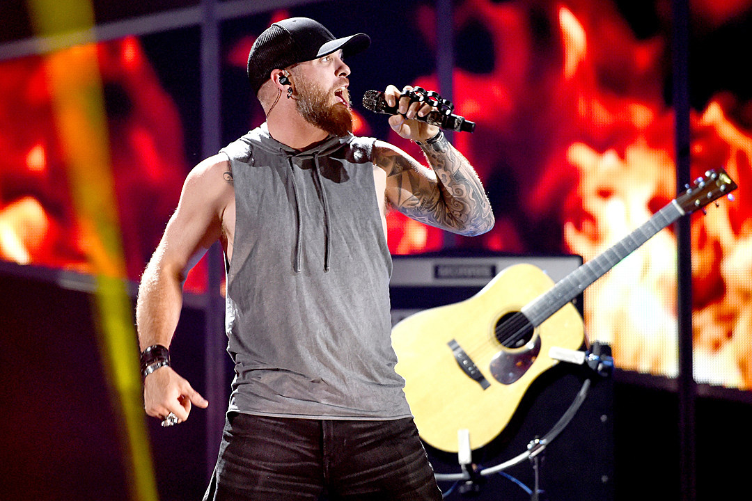 Brantley gilbert to perform with an orchestra m4hsunfo