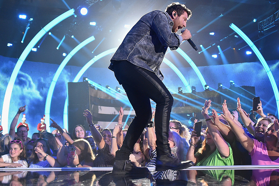 Brett eldredge gets to make the rules for first headling tour m4hsunfo