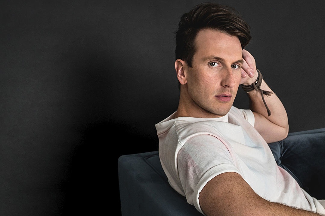 Russell-Dickerson-ACM-Awards