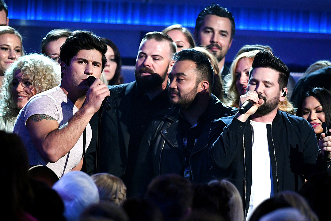 dan-and-shay-tequila-acm-awards