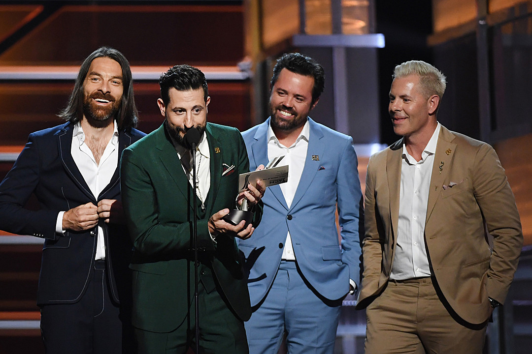 old-dominion-vocal-group-acm-awards
