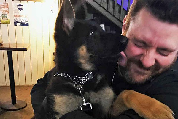 Chris Young Gushes About New Puppy He S Very Attached