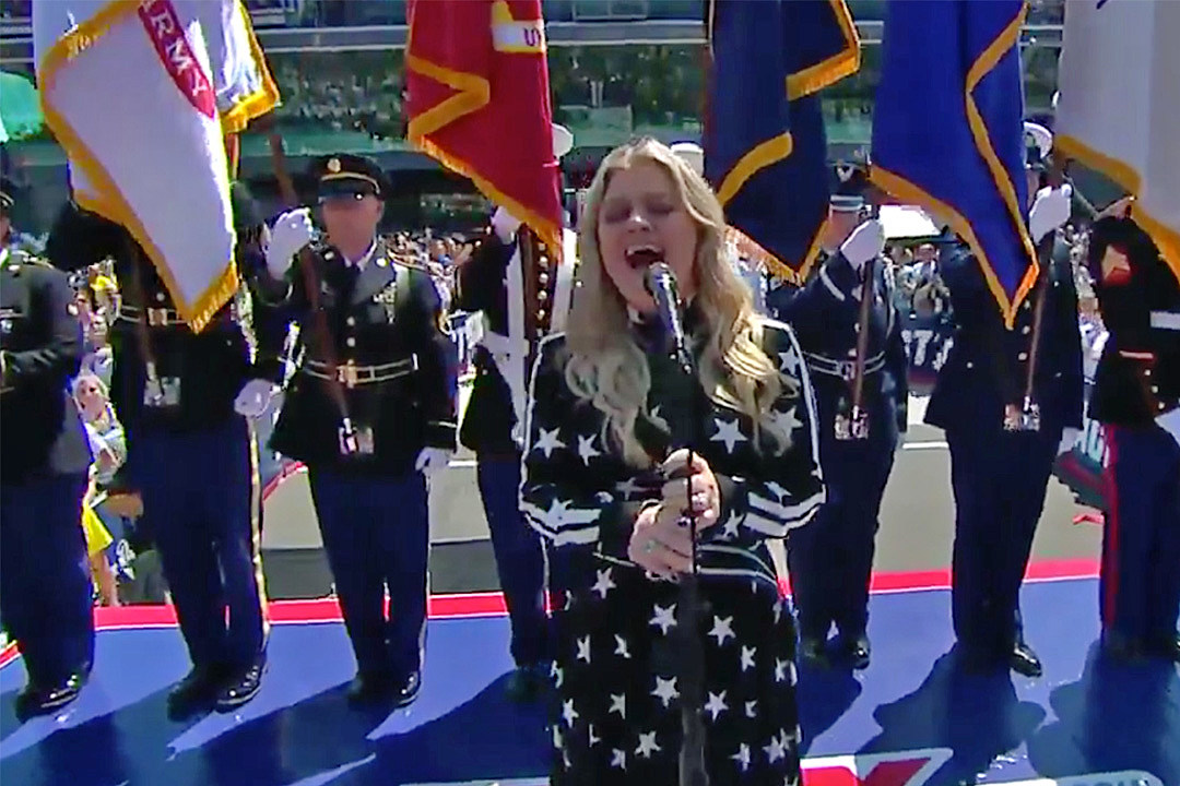 Watch Kelly Clarkson Absolutely Slay National Anthem at Indy 500