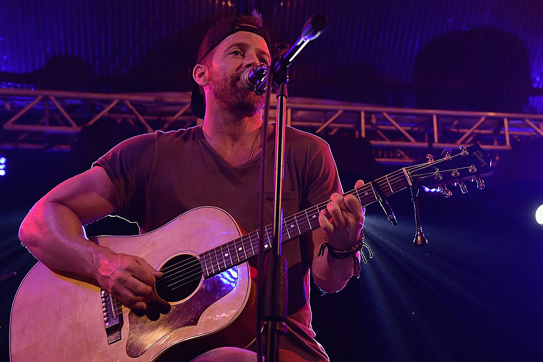Hear Kip Moores Nostalgic Acoustic Ballad Tennessee Boy